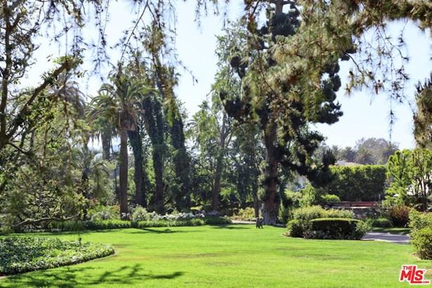 Tudor, Single Family - Los Angeles (City), CA (photo 3)