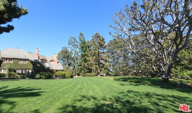 Tudor, Single Family - Los Angeles (City), CA (photo 5)