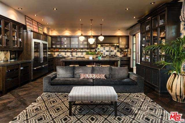 Condominium, Spanish Colonial - Beverly Hills, CA (photo 4)