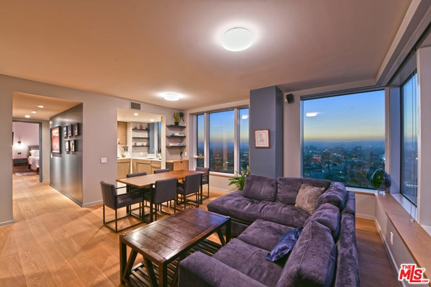 Condominium, Contemporary - LOS ANGELES, CA