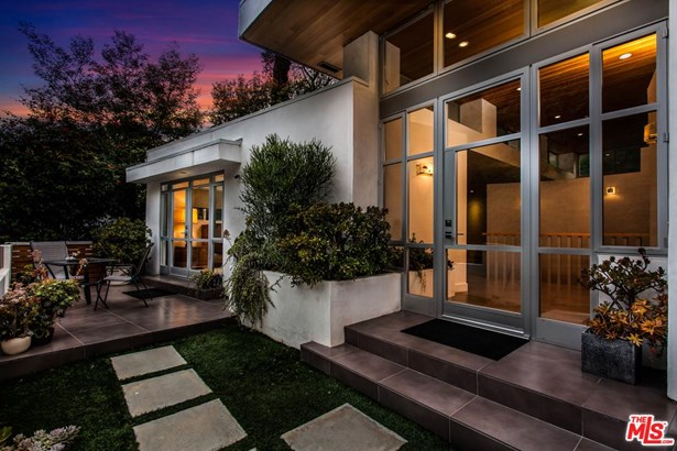 Architectural, Single Family - Beverly Hills, CA (photo 4)