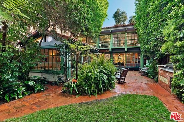 Single Family Residence, Garden Home - MALIBU, CA