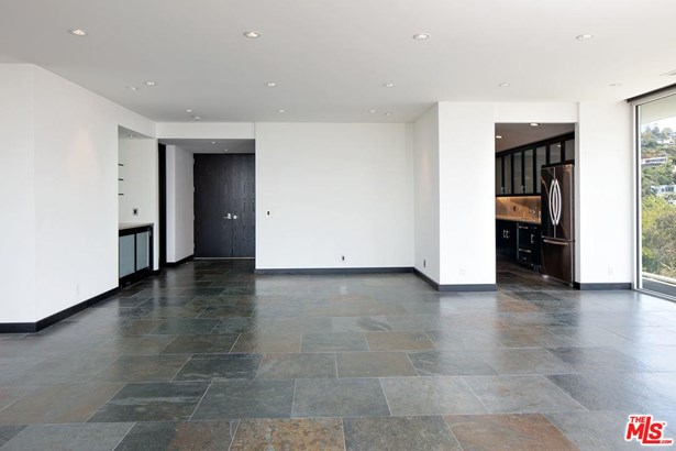 High or Mid-Rise Condo,Contemporary, Condominium - West Hollywood, CA (photo 3)