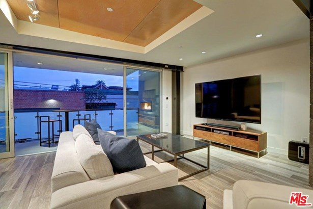 Condominium, Contemporary - Venice, CA (photo 3)