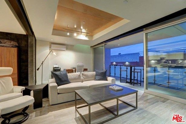 Condominium, Contemporary - Venice, CA (photo 4)