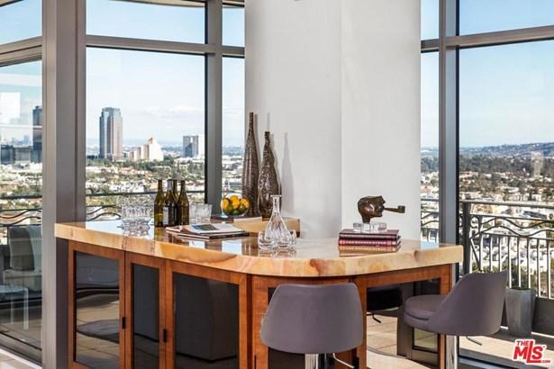 Condominium, High or Mid-Rise Condo - Los Angeles (City), CA (photo 5)