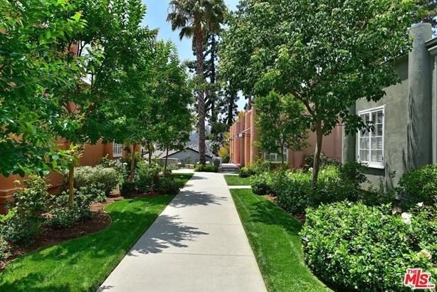 Townhouse, Bungalow - Pasadena, CA (photo 3)