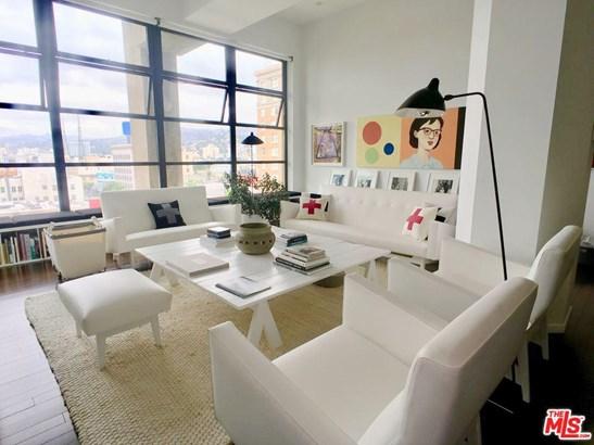Condominium, High or Mid-Rise Condo,Architectural - Los Angeles (City), CA