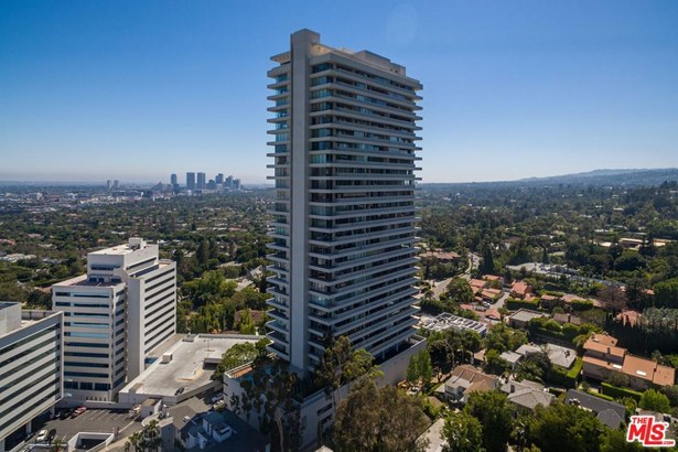 Condominium, Contemporary - West Hollywood, CA (photo 2)