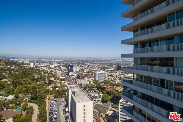 Condominium, Contemporary - West Hollywood, CA (photo 3)