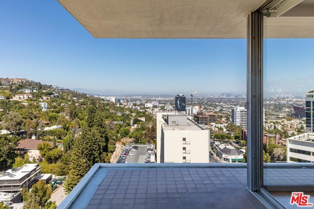 Condominium, Contemporary - West Hollywood, CA (photo 5)