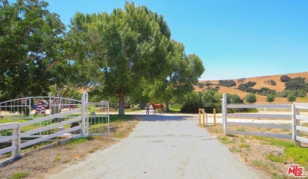 Traditional, Single Family - Los Alamos, CA (photo 2)