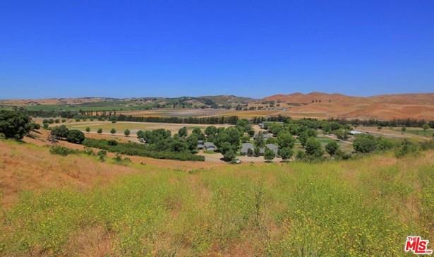 Traditional, Single Family - Los Alamos, CA (photo 3)
