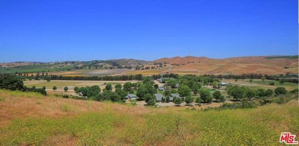 Traditional, Single Family - Los Alamos, CA (photo 4)