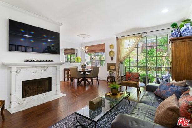 Condominium, French - Los Angeles, CA