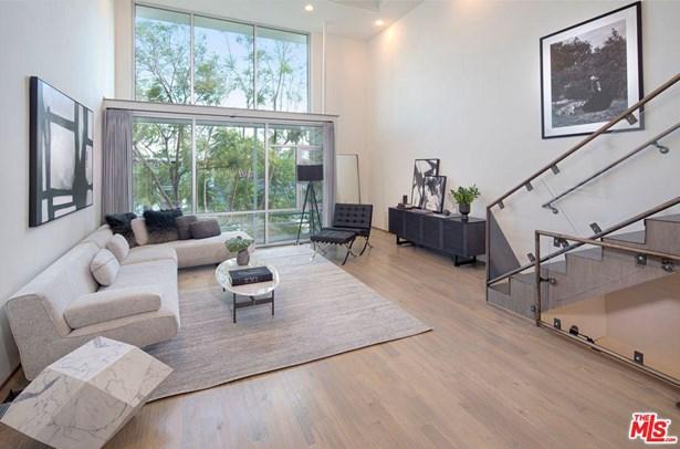 Architectural, Condominium - Los Angeles (City), CA