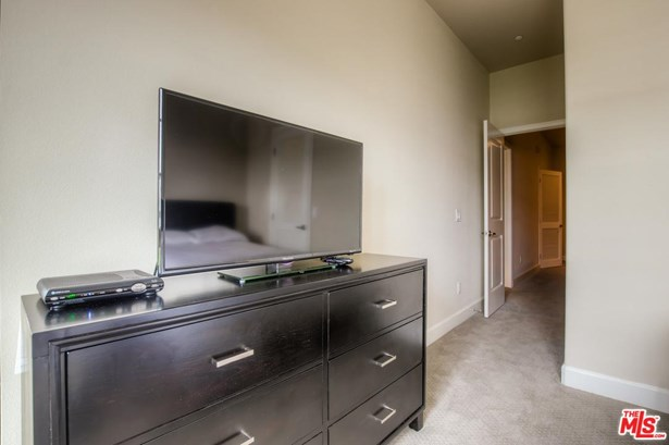 Condominium - Glendale, CA (photo 5)