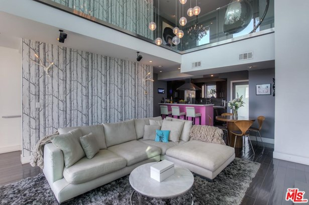 Townhouse, Contemporary - West Hollywood, CA (photo 4)