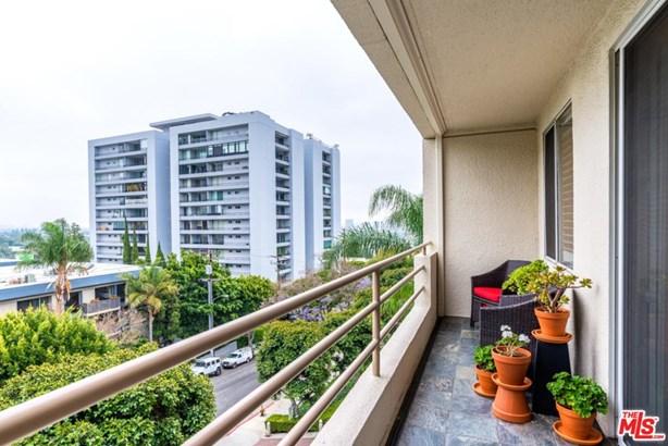 Condominium, High or Mid-Rise Condo,Modern - West Hollywood, CA (photo 5)