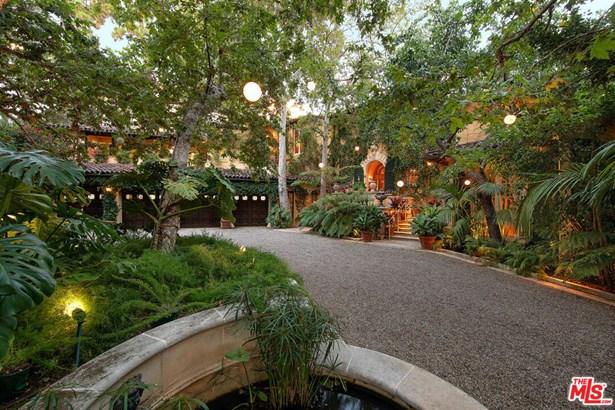 Villa, Single Family Residence - Los Angeles, CA