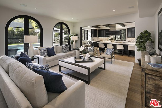 Mediterranean, Single Family - Beverly Hills, CA (photo 3)