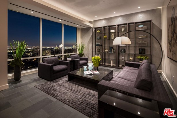Condominium, Contemporary,High or Mid-Rise Condo - Los Angeles (City), CA