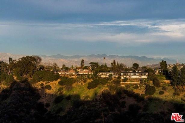 Single Family - Los Angeles (City), CA (photo 3)