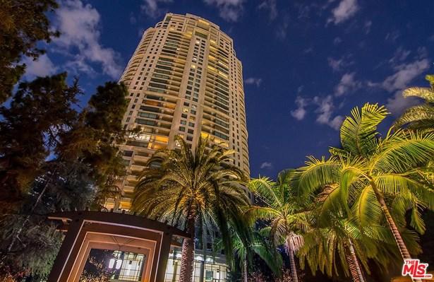 Condominium, Contemporary,High or Mid-Rise Condo - Los Angeles (City), CA (photo 2)