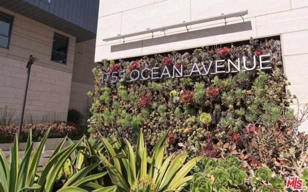 Condominium, High or Mid-Rise Condo - Santa Monica, CA (photo 2)