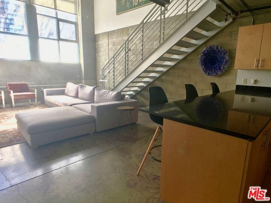 Condominium, Contemporary - Los Angeles (City), CA (photo 1)