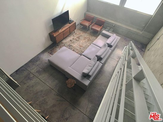 Condominium, Contemporary - Los Angeles (City), CA (photo 2)