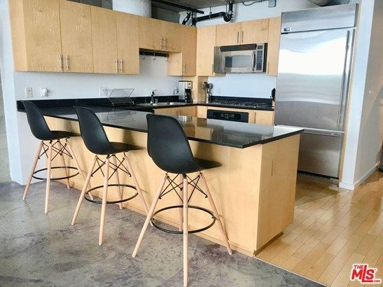 Condominium, Contemporary - Los Angeles (City), CA (photo 5)