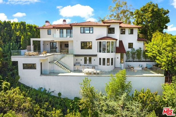 Contemporary Mediterranean, Single Family Residence - BEVERLY HILLS, CA