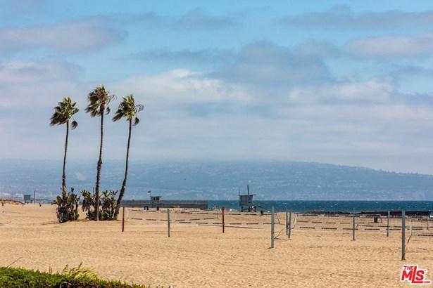 Condominium, Modern - Playa Del Rey, CA