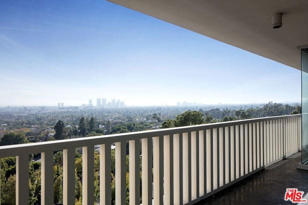 High or Mid-Rise Condo,Contemporary, Condominium - West Hollywood, CA