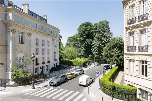 Paris 8th - FRA (photo 5)