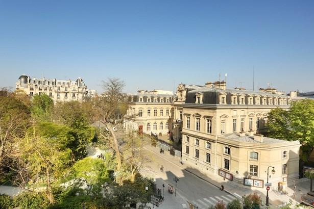 Paris 3rd - FRA (photo 3)
