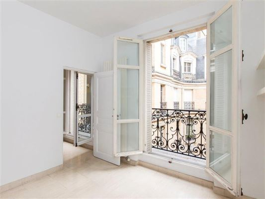 Paris - FRA (photo 2)