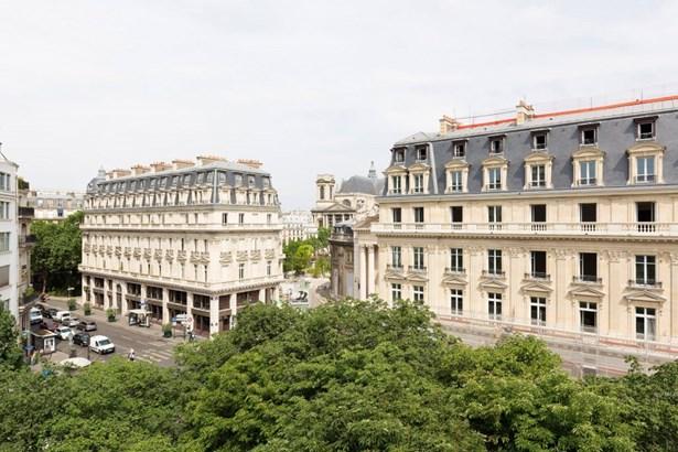 Paris 1st - FRA (photo 1)