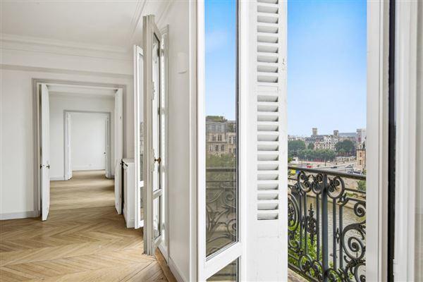 Paris 6th - FRA (photo 1)