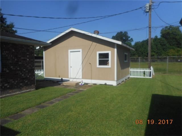 1709 W First St, Belle Chasse, LA - USA (photo 4)