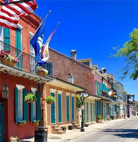 921 Burgundy Street, New Orleans, LA - USA (photo 2)