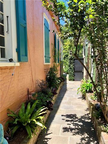 921 Burgundy Street, New Orleans, LA - USA (photo 4)