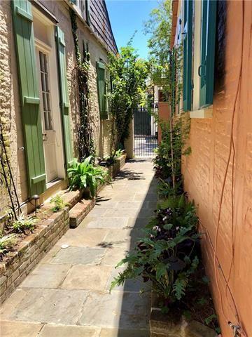 921 Burgundy Street, New Orleans, LA - USA (photo 5)