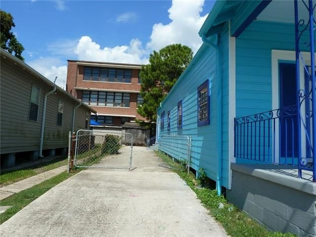 2216 Independence St, New Orleans, LA - USA (photo 5)
