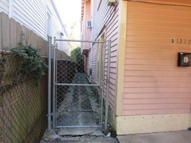 1225 St Roch Ave, New Orleans, LA - USA (photo 5)