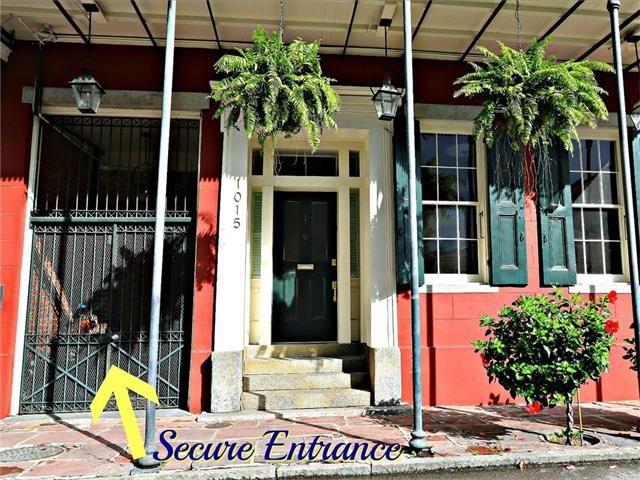 1015 Burgundy St 6, New Orleans, LA - USA (photo 2)