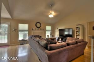 7812 Clamshell Avenue, Ocean Springs, MS - USA (photo 2)