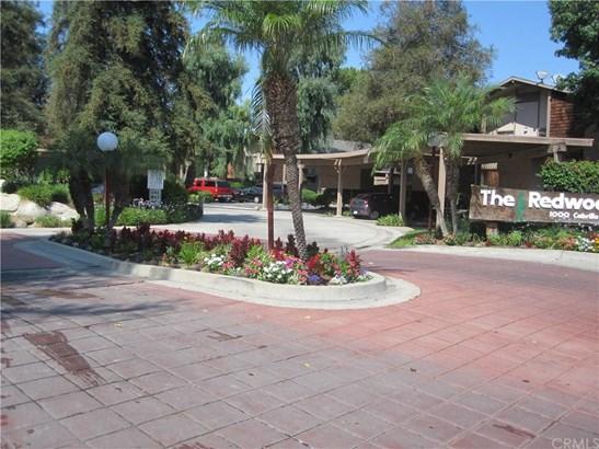 1098 Cabrillo Park Drive H, Santa Ana, CA - USA (photo 3)
