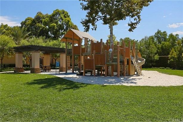 27 Shellbark, Irvine, CA - USA (photo 3)